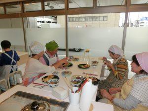 交流サロン料理教室写真
